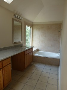 The second sink didn't fit into the frame (!) It is in the faux-granite top.