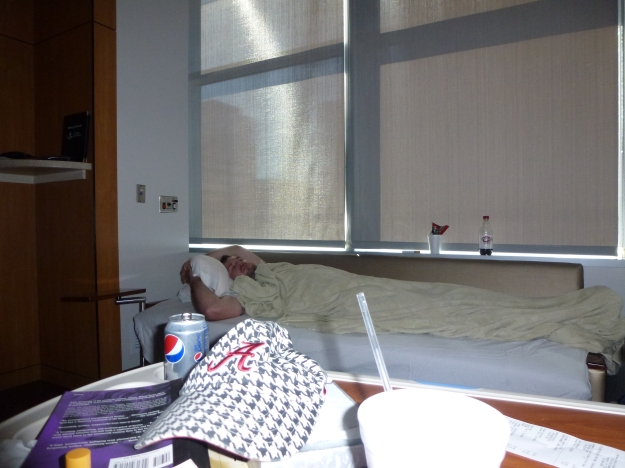 Bed for the husband in hospital with labor